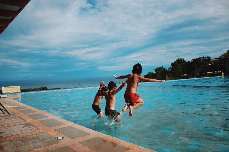 beach-children-enjoyment-870170
